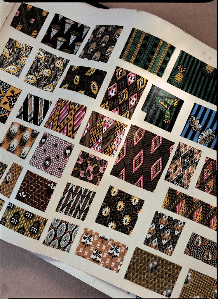 Catalogue regroupant des motifs de toile de Jouy