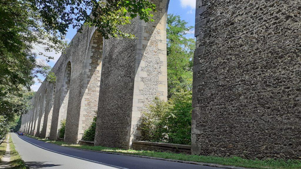 Les arcades de l'aqueduc